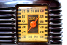 Load image into Gallery viewer, Art Deco Brown Bakelite Vintage 1946 Philco Transitone 46-200 AM Radio Popular Design Back In Its Day! - [product_type} - Philco - Retro Radio Farm