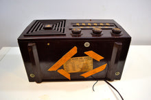 Load image into Gallery viewer, Cubist Brown Bakelite 1953 Emerson Model 641 AM Vacuum Tube Radio Sounds Amazing! - [product_type} - Emerson - Retro Radio Farm