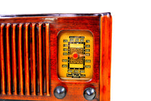 Load image into Gallery viewer, Golden Age of Radio 1940 Emerson Model 179 Wood Radio Beauty! Sounds Wonderful! - [product_type} - Emerson - Retro Radio Farm