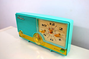 SOLD! - Aug 15, 2019 - AQUAMARINE Turquoise Mid Century Retro Vintage 1959 Arvin Model 5583 AM Tube Clock Radio Rare! Stunning! - [product_type} - Arvin - Retro Radio Farm