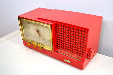 CORAL Pink Mid Century Retro Vintage 1959 Arvin Model 957T AM Tube Clock Radio Works Great!