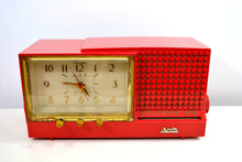 Load image into Gallery viewer, CORAL Pink Mid Century Retro Vintage 1959 Arvin Model 957T AM Tube Clock Radio Works Great! - [product_type} - Arvin - Retro Radio Farm