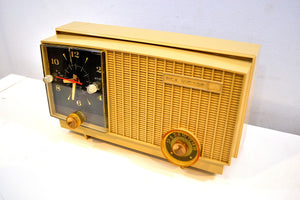 Maize Goldenrod Vintage 1957 RCA Victor RCA 3RD-35 Tube AM Clock Radio Cutie Pie! - [product_type} - RCA Victor - Retro Radio Farm