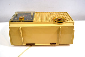 Maize Goldenrod Vintage 1957 RCA Victor 3RD-35 Tube AM Clock Radio Cutie Pie! - [product_type} - RCA Victor - Retro Radio Farm