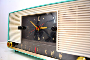 Laguna Aqua Mid Century 1958 Packard Bell Model 6RC1 AM Vacuum Tube Clock Radio Rare Looks Works Great! - [product_type} - Packard-Bell - Retro Radio Farm