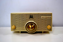 Load image into Gallery viewer, Cream Ivory 1957 Motorola Model MK-56H Turbine Vintage Tube AM Radio Collectors Favorite! - [product_type} - Motorola - Retro Radio Farm