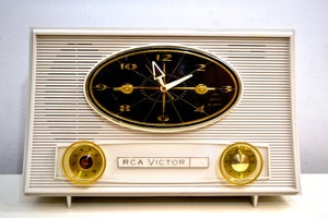 Snow White 1957 RCA Victor Model 3RD50 AM Vacuum Tube Radio Totally Restored Works Great! - [product_type} - RCA Victor - Retro Radio Farm