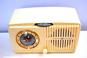Ivory White Vintage 1948-49 General Electric Model 516F AM Vacuum Tube Radio Solid Player Popular Model! - [product_type} - General Electric - Retro Radio Farm