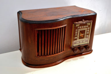 Golden Age 1945 Sonora RCU-208 AM Tube Radio Curvaceous Wooden Beauty!