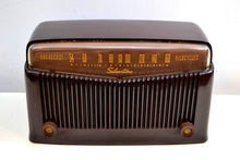 Load image into Gallery viewer, Espresso Brown Retro Vintage 1949 Silvertone Model 9005 AM Vacuum Tube Radio Works Great! - [product_type} - Silvertone - Retro Radio Farm