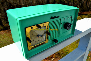 SOLD! - Oct 25, 2018 - Madison in April Green Art Deco Vintage 1948 Model 940 AM Tube Clock Radio Near Mint Condition! - [product_type} - Madison - Retro Radio Farm