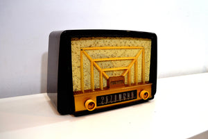 SOLD! - May 8, 2019 - Lustrous Brown and Boucle Grill Vintage 1950s Westinghouse H-327T60 AM Radio Looks Snazzy! - [product_type} - Westinghouse - Retro Radio Farm