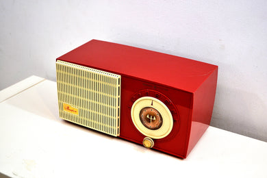 Rally Red and White 1955 General Electric Model 471 AM Tube Radio Real Charmer! - [product_type} - General Electric - Retro Radio Farm