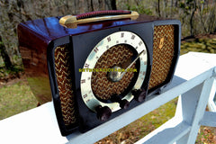 SOLD! - May 9, 2018 - CLASSIC GOLDEN AGE Walnut Brown Bakeilte 1951 Zenith Model H724Z2 AM/FM Tube Radio Great Player!