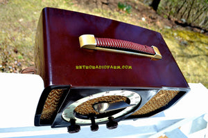 SOLD! - May 9, 2018 - CLASSIC GOLDEN AGE Walnut Brown Bakeilte 1951 Zenith Model H724Z2 AM/FM Tube Radio Great Player! - [product_type} - Zenith - Retro Radio Farm