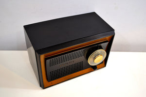 Carbon Black Jet Age 1951 Sylvania Model 512BL AM Vacuum Tube Radio Excellent Condition! - [product_type} - Sylvania - Retro Radio Farm