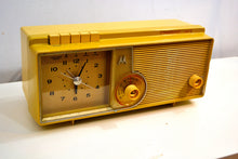 Load image into Gallery viewer, Mustard Gold 1960 Motorola Model C5S42 Vacuum Tube AM Clock Radio Beautiful and Rare Color! - [product_type} - Motorola - Retro Radio Farm