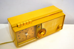 Mustard Gold 1960 Motorola Model C5S42 Vacuum Tube AM Clock Radio Beautiful and Rare Color! - [product_type} - Motorola - Retro Radio Farm