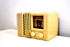 Alabaster Ivory Bakelite Post War 1947 Delco Model 1230A AM Vacuum Tube Radio Works Great! - [product_type} - Firestone - Retro Radio Farm