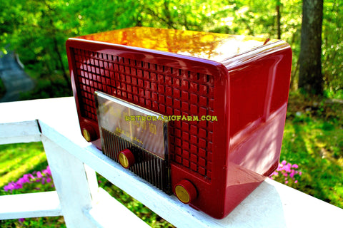 CRANBERRY RED Mid Century Retro Vintage 1955 RCA Victor Model 5X-564 AM Tube Radio Great Sounding!