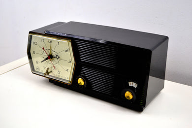Midnight Black RCA Victor 8-C-5E Clock Radio 1959 Tube AM Clock Radio - [product_type} - RCA Victor - Retro Radio Farm