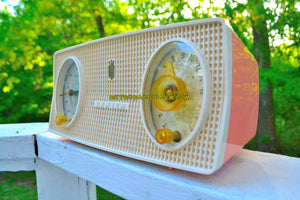 SOLD! - Nov 20, 2018 - Mayfair Pink Mid Century Vintage 1955 Zenith Model B514V AM Tube Radio Excellent Condition! - [product_type} - Zenith - Retro Radio Farm