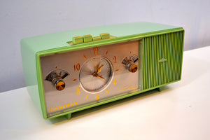 SOLD! -May 29, 2019 - Duncan Avocado 1961 Admiral Model Y3058 AM Pushbutton Clock Radio Mid Century Extravaganza to Behold!