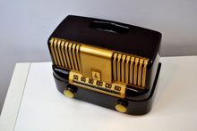 "Load image into Gallery viewer, ""THE MODERNE"" 1949 Emerson Model 561A Brown Bakelite AM Tube Radio Golden Age Beauty in Pristine Condition! - [product_type} - Emerson - Retro Radio Farm"