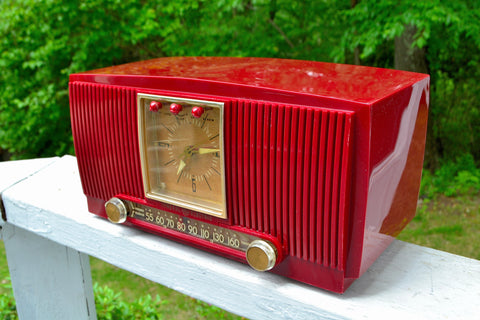 CRIMSON RED Mid Century 1954 General Electric Model 548PH Tube AM Clock Radio Looks Sweet!