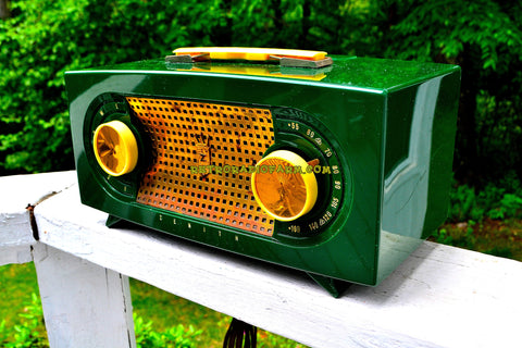 CANDY APPLE GREEN Mid Century Retro Jetsons Vintage 1955 Zenith Model R511F AM Tube Radio Da Bomb!