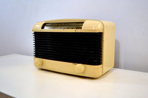 Ivory and Black Bakelite Vintage 1947 Farnsworth Model ET-061 AM Shortwave Radio Sounds Great! - [product_type} - Philco - Retro Radio Farm