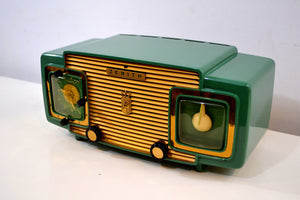 SOLD! - Sept 13, 2019 - Jade Green and Gold 1953 Zenith Model L622F AM Vintage Tube Radio Gorgeous Looking and Sounding! - [product_type} - Zenith - Retro Radio Farm