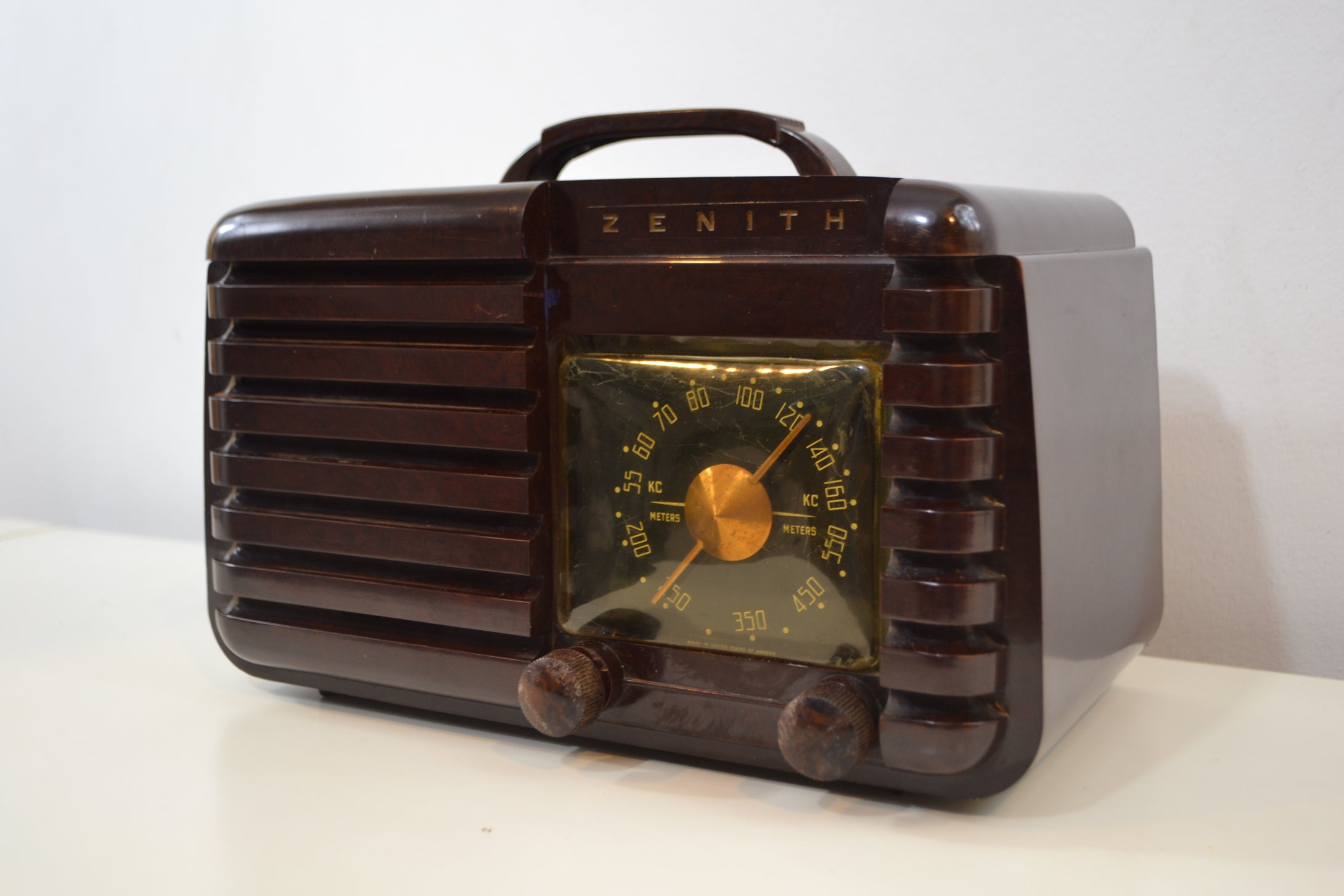SOLD! - Jan. 19, 2020 - Mahogany Marbled Brown Bakelite 1951 Zenith Model H724Z2 AM Tube Radio Great Player! - [product_type} - Zenith - Retro Radio Farm