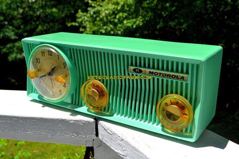 SEA GREEN BEAUTY Mid Century 1957 Motorola 57CS Tube AM Clock Radio Sounds Great!
