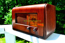 Load image into Gallery viewer, SOLD! - July 8, 2018 - BLUETOOTH MP3 UPGRADE ADDED - 1940 Philco Model PT-42 Tube AM Radio Looks Sounds Great! - [product_type} - Philco - Retro Radio Farm