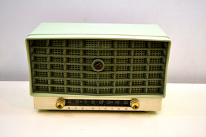 """The Glendon"" Mint Green Vintage 1953 RCA Victor 6-XD-5C Tube Radio Excellent Condition Works Great! - [product_type} - RCA Victor - Retro Radio Farm"