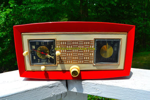 Cardinal Red 1950 Raytheon Model CR-43 Tube AM Clock Radio Excellent Plus Condition and RARE! - [product_type} - Raytheon - Retro Radio Farm