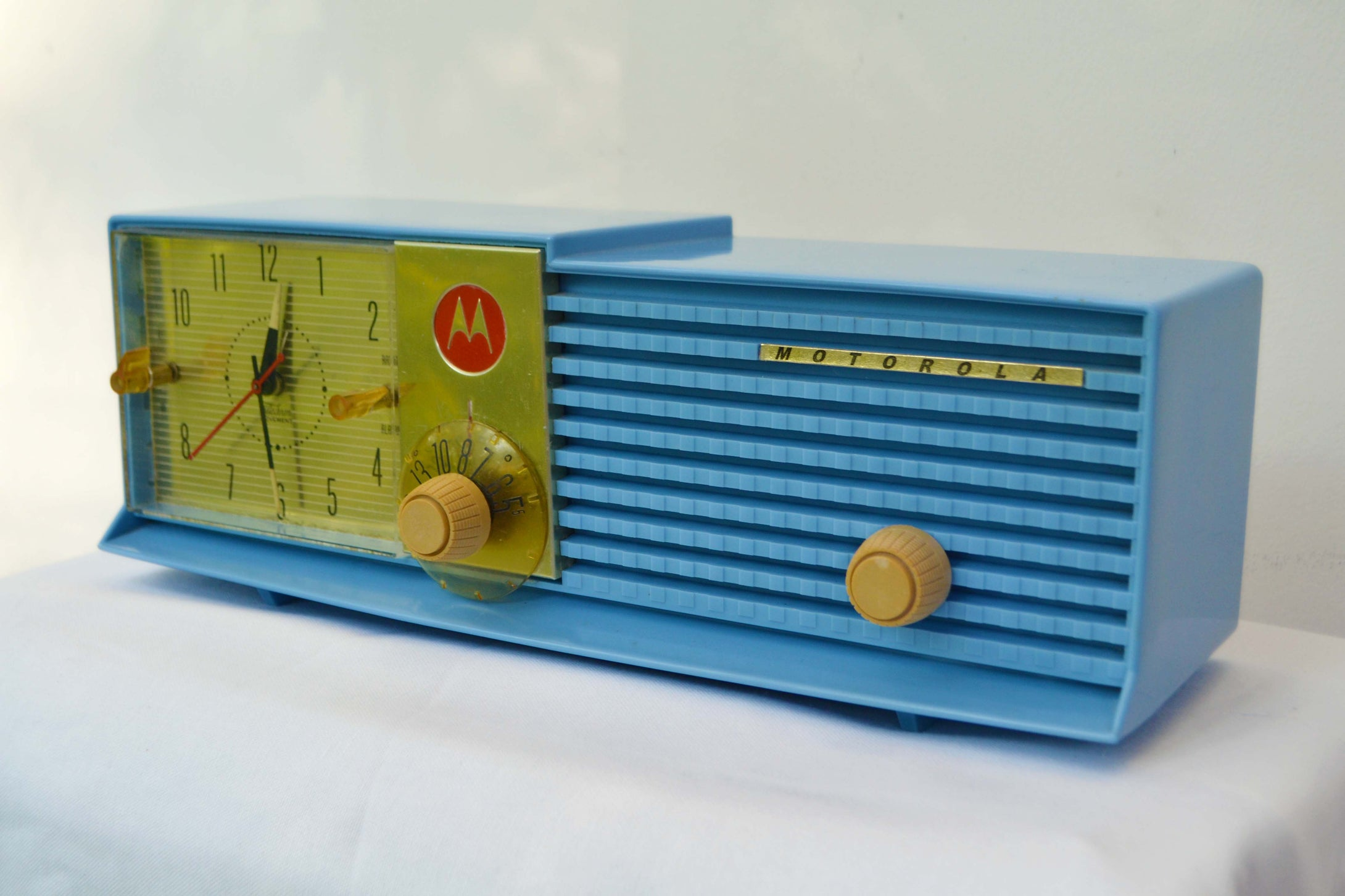 SOLD! - July 24, 2018 - CORNFLOWER BLUE 1957 Motorola 57CD Tube AM Clock Radio Excellent Condition! - [product_type} - Motorola - Retro Radio Farm