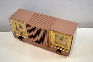 Mauve Tan Mid Century 1952 Automatic Radio Mfg Model 4-A-127 Tube AM Radio Cool Model! - [product_type} - Automatic - Retro Radio Farm