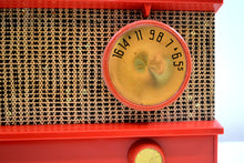 Load image into Gallery viewer, Flame and Burlap 1957 Arvin Model 5572 Tube Radio Looks Amazing Sounds Great! - [product_type} - Arvin - Retro Radio Farm