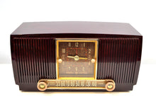 Load image into Gallery viewer, SOLD! - Feb 7, 2020 - Elegant Brown Marbled 1955 General Electric Model 551 Vintage AM Clock Radio Popular Model! Sounds Great! - [product_type} - General Electric - Retro Radio Farm