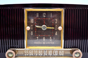 SOLD! - Feb 7, 2020 - Elegant Brown Marbled 1955 General Electric Model 551 Vintage AM Clock Radio Popular Model! Sounds Great! - [product_type} - General Electric - Retro Radio Farm