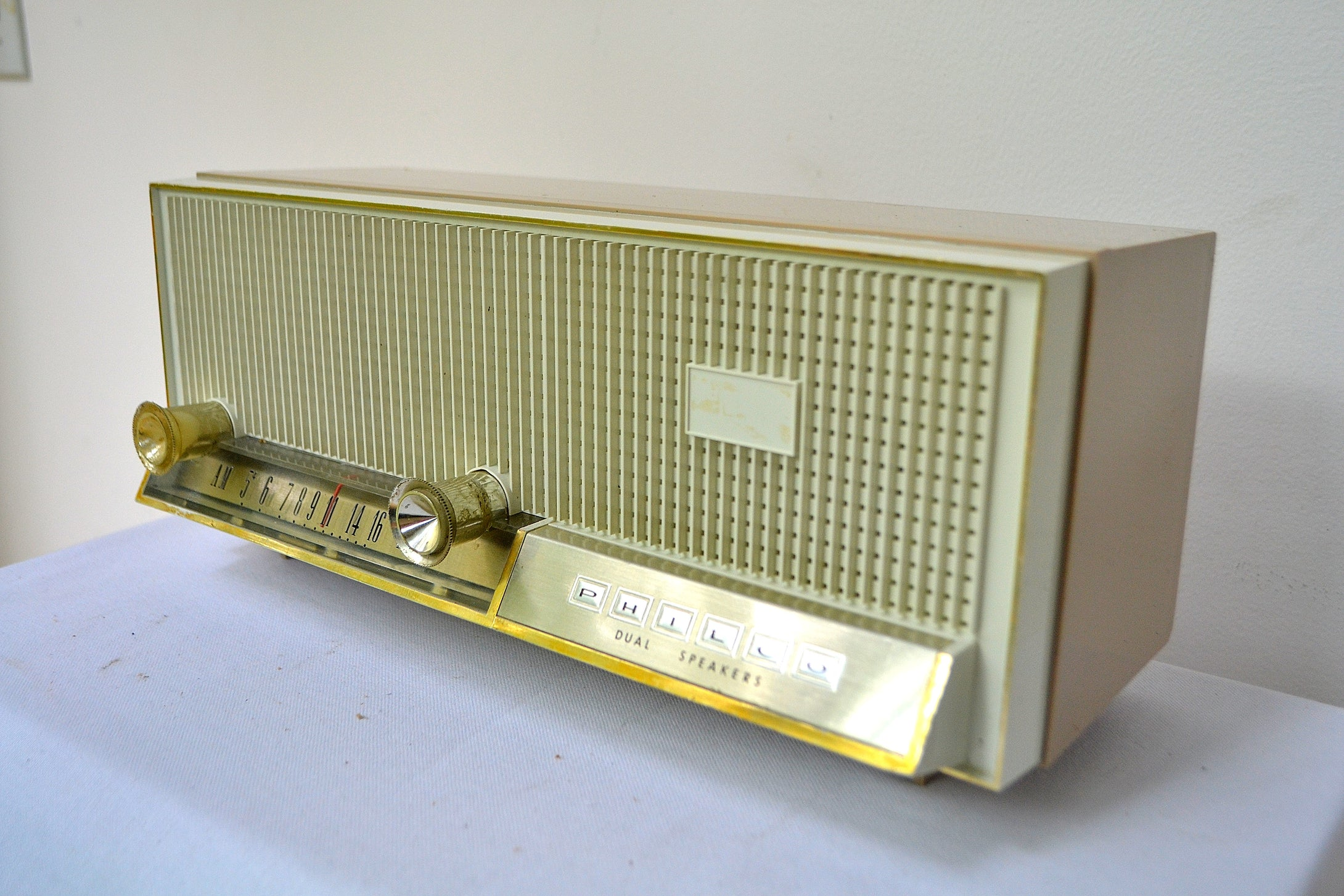 Sandalwood Beige 1964 Philco Model N-876ABE-124 Dual Speaker AM Tube Radio Sounds Lovely! - [product_type} - Philco - Retro Radio Farm