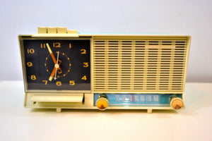 Aqua and White Mid Century Vintage 1960 General Electric C-451B AM Tube Clock Radio Wow! - [product_type} - General Electric - Retro Radio Farm