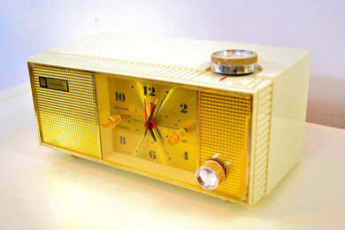 SOLD! - Dec 10, 2019 - Grecian Ivory and Gold 1965 Penncrest Model 3625 AM Tube Clock Radio Works Great Looks Great! - [product_type} - Penncrest - Retro Radio Farm