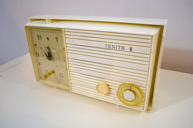 Pure White 1965 Zenith Model X174W AM Tube Clock Radio Works Great!