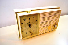 Load image into Gallery viewer, Pure White 1965 Zenith Model X174W AM Tube Clock Radio Works Great!