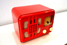 Load image into Gallery viewer, SOLD! - Oct 9, 2019 - Cross Red 1946 Lyric Model 546T Bakelite AM Tube Radio Post War Crooner It Gleams! - [product_type} - Lyric - Retro Radio Farm