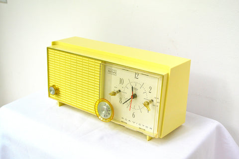 Lemon Yellow Mid Century Antique Retro Vintage 1959 RCA Victor Model RFD19Z AM Tube Clock Radio Near Mint!