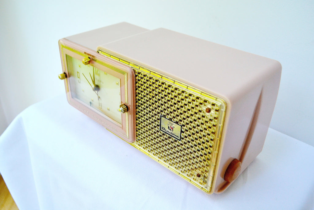 Luxe Fifth Avenue Pink Mid Century Retro Jetsons 1957 Bulova Model 120 Tube AM Clock Radio Excellent Condition!